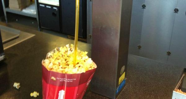 popcorn-straw-hack-lead