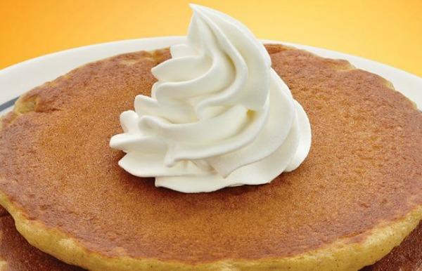 pumpkin-pancakes-ihop