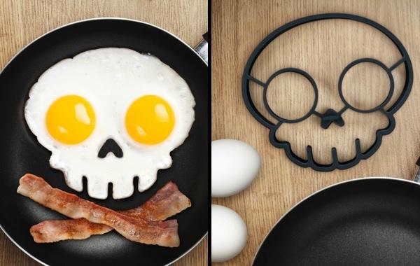 skull-egg-mold-sunnyside