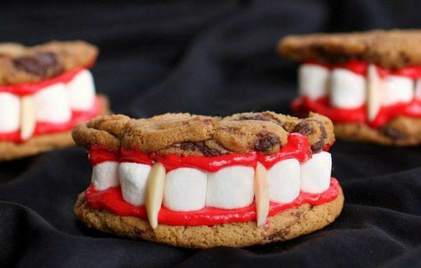 toothsome-vampire-cookie-bites