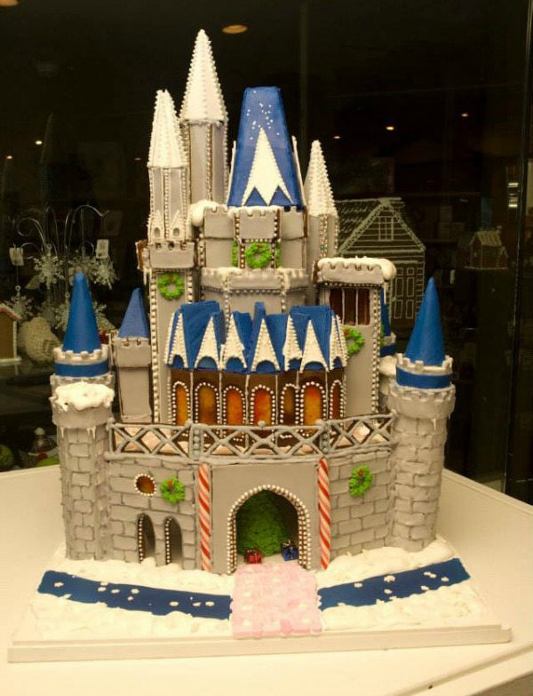 amazing-gingerbread-house-1