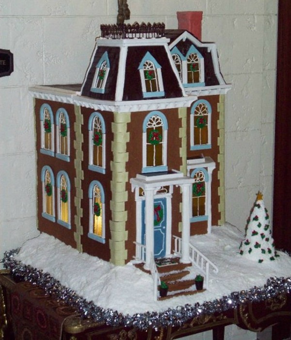 amazing-gingerbread-house-10