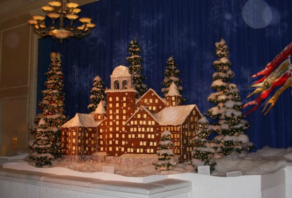 amazing-gingerbread-house-2