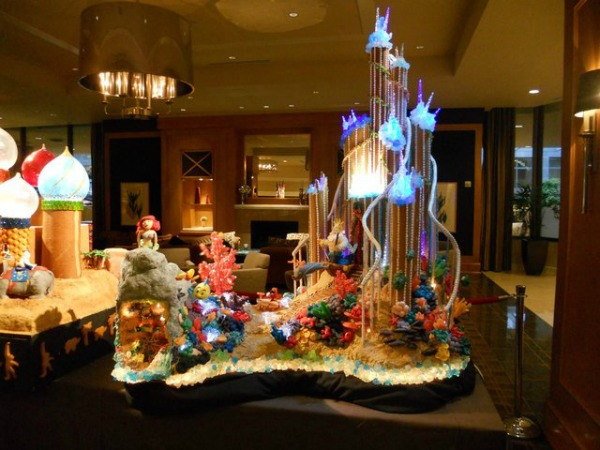 amazing-gingerbread-house-3