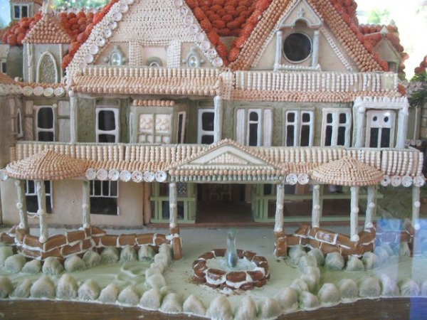 amazing-gingerbread-house-5
