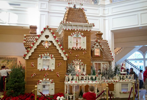 amazing-gingerbread-house