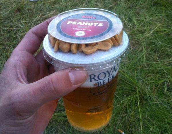 beer-peanuts