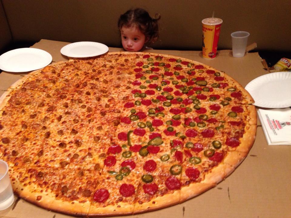 http://cdn.foodbeast.com.s3.amazonaws.com/content/uploads/2014/03/big-mama-pappa-pizza-huge.jpg