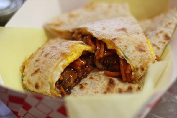 chow-mein-quesadilla