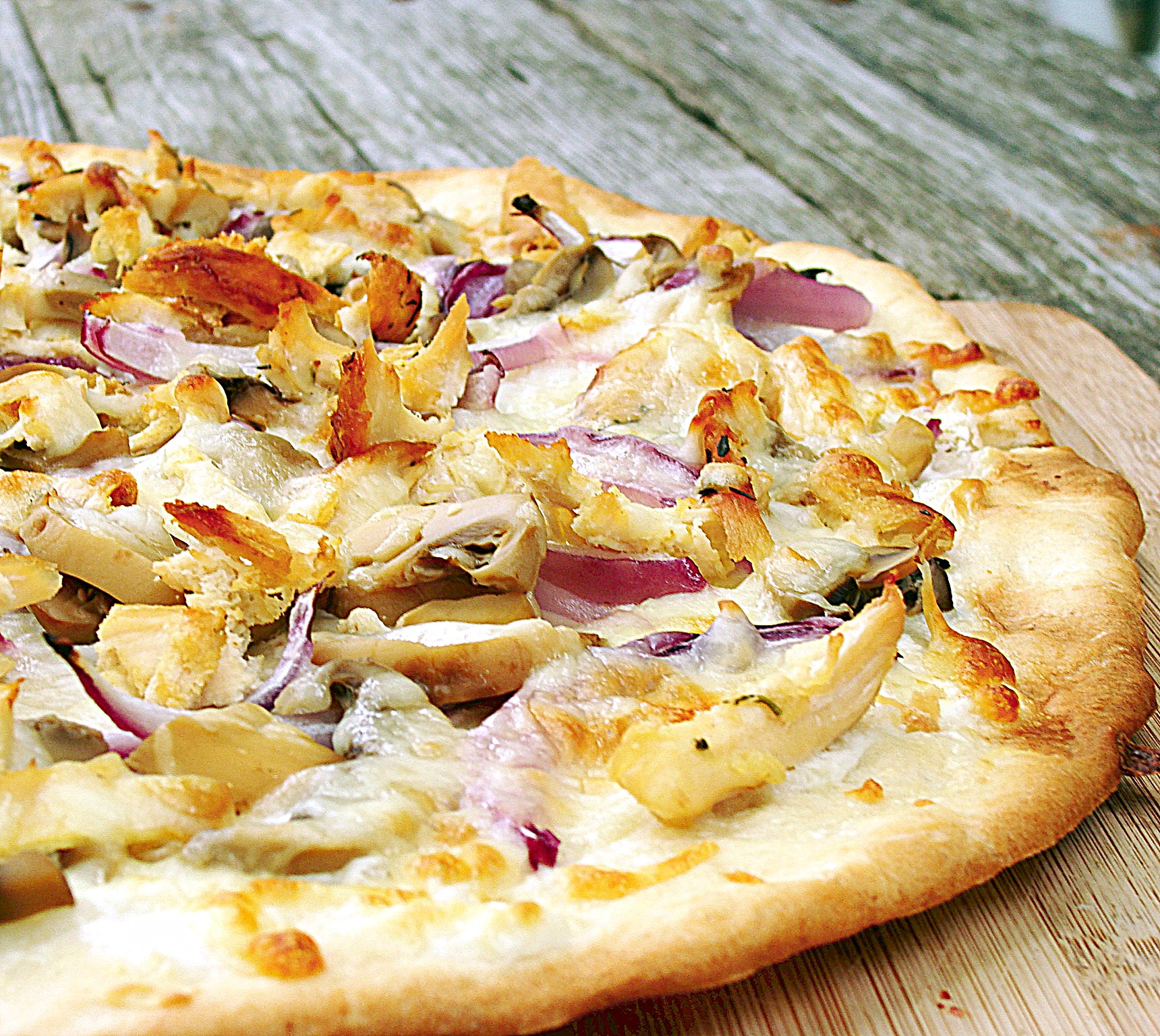 Grilled Pizza: Chicken, Red Onions, and Cream Cheese