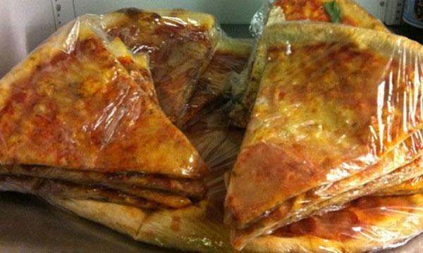 cold pizza Serieshd cold pizza 1x26 e español castellano y latino 11/24/2003 serieshd.