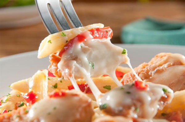 Olive garden 39 s never ending pasta bowl is back on the menu for Olive garden endless pasta bowl
