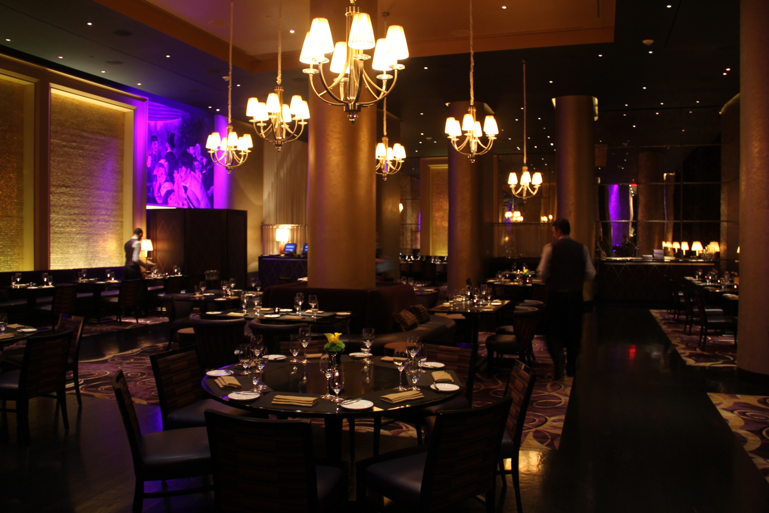 Need an absinthe bar head to sage restaurant in las vegas for Cuisine conforama las vegas