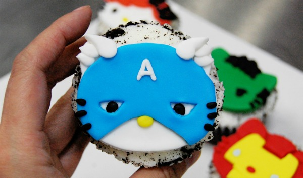 Avengers-Hello-Kitty-Cupcake