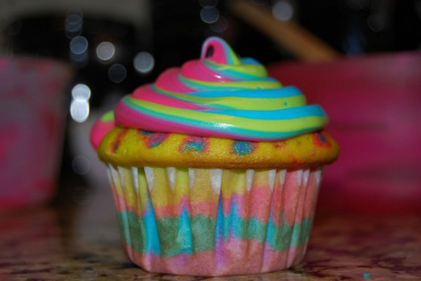 blacklight-cupcake