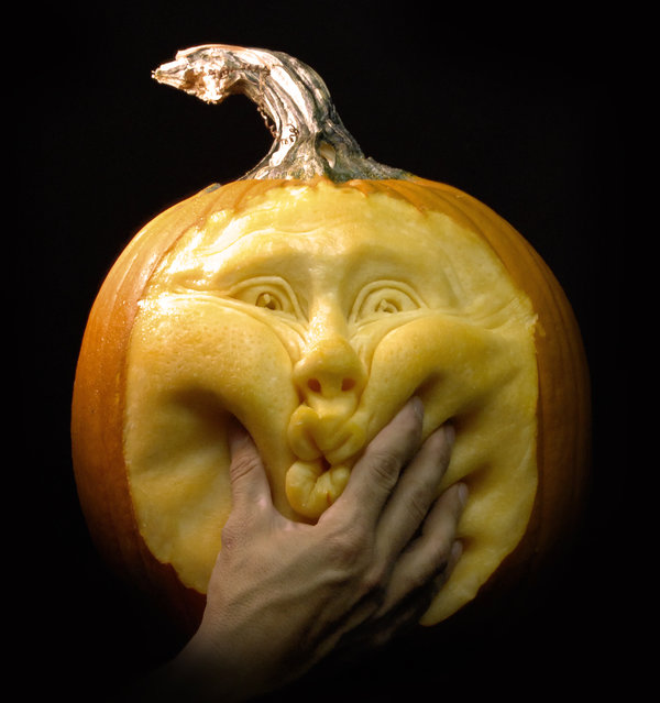 Coolest And Most Amazing Pumpkin Carvings From Around The