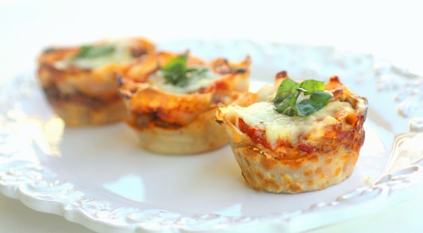 ... Bagel Bites of Gourmet: Tiny Lasagna Cupcakes Ready in Just 35 Minutes