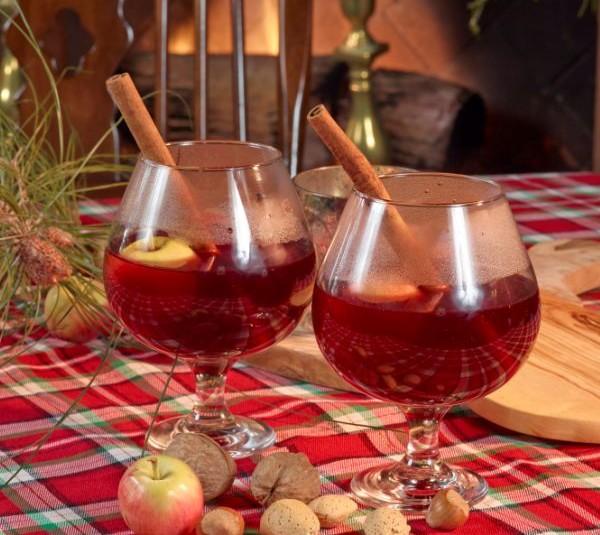 Muldoon's Wassail Holiday Beverage Cocktail