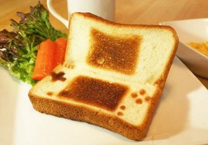 Nintendo DS toast, for those who make breakfast a game.