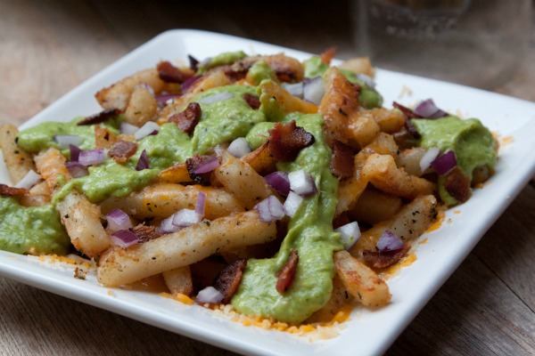 Cheesy-Avocado-Bacon-Poutine