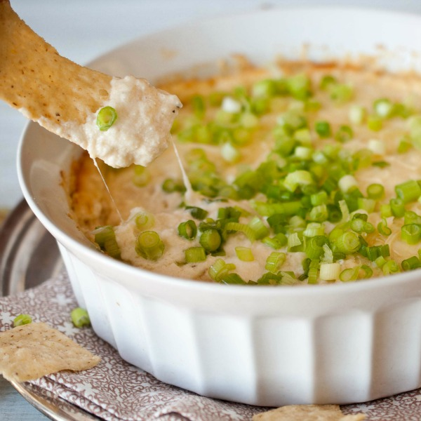 garlic-parmesean-beer-cheese-dip