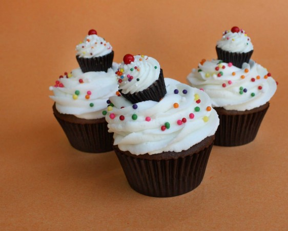 cupcakes-on-cupcakes