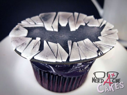 geeky-cupcake-dark-knight