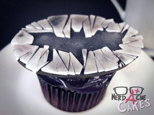 geeky-cupcake-dark-knight