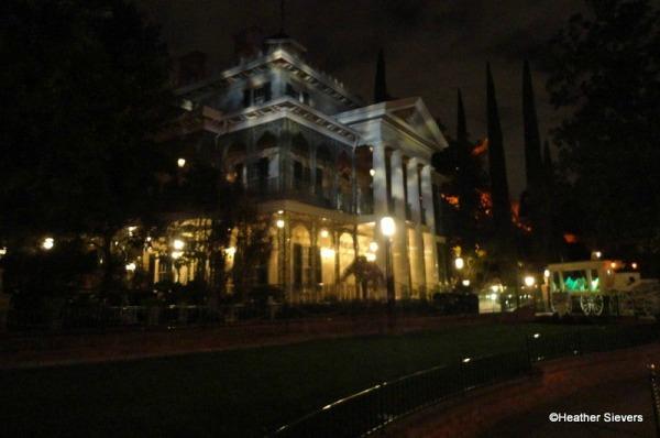 haunted-mansion-dinner