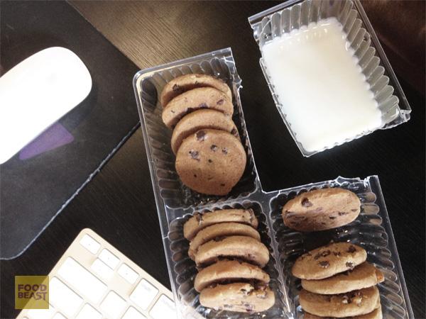 cookies-milk-disposable