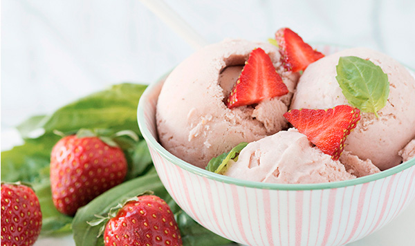 strawberry-basil-ice-cream