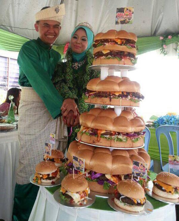 Wedding Burger Cake Is What True Love Looks Like - Healthy Wedding Cakes
