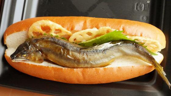This Whole Fish Hot Dog Looks Creepy, Will Probably Make You Feel Bad For Eating It